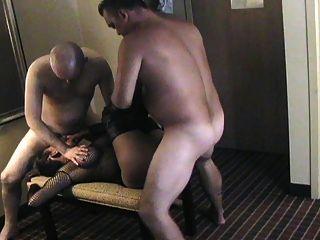 горячий любительский секс втроем