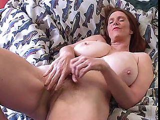 волосатая мамаша с большими сиськами сольных
