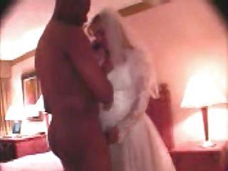 Gabrielle первая свадьба ебать по телефону