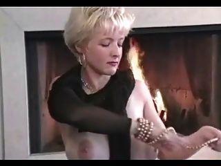 Danni Аш-сисек в огне (ее первое видео)