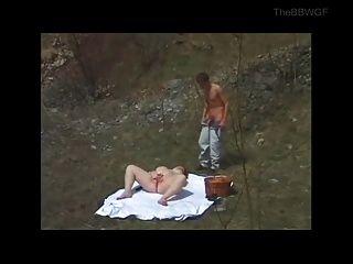 роговой жира толстушки трахал на открытом воздухе молодого парня
