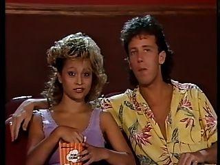 Регине Бардо - горячие марионетками в кино 1986