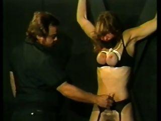 Judy и ее хозяин 2 наказывали сисек