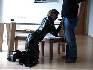 немецкий Fantastci латекс юбка руки и минета