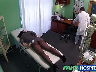 Fakehospital скрытые камеры поймать женского пациента с помощью Massa