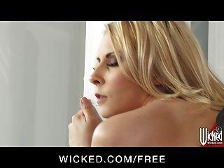 нечестивые - горячая блондинка ИФОМ Мадисон плюща получает некоторый твердый член