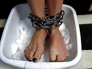 ледяные ноги пытки