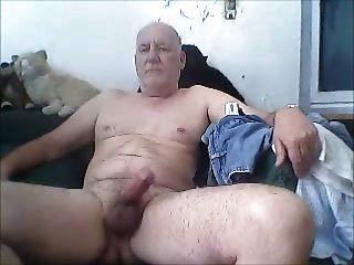 бабуля мастурбирует