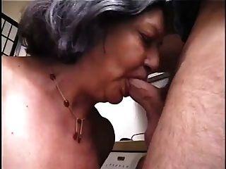 джейн не так ясно, как она готовит ремонтника в сексуальный экстаз