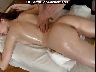 массаж киски и анальный ебать
