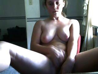 женщина в военной