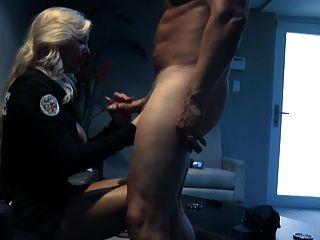 хороший минет и оргазм с вибратором