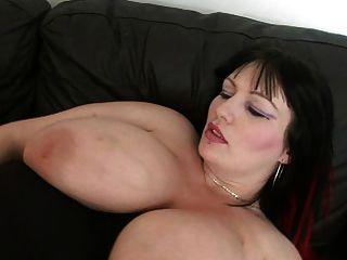 большой сиськастый толстушки трахается