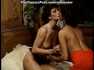 лесбос оргазм на ретро кино