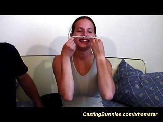 ее первый анальный видео кастинг