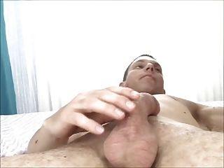 сексуальная брюнетка девушка хочет сперму в ее волосатые киски