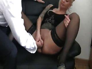 фистинг мой немецкий женский суки босса, пока она впрыскивает