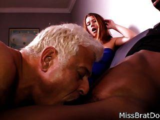бисексуалы муж сосет черный петух для жены