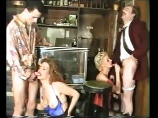 групповой секс с несколькими хорошими немецких зрелых женщин в чулках