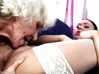 юная дочь трахает старую не ее бабушка и мама
