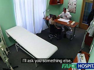 Fakehospital врач получает только то, что он хочет от горячего Patien