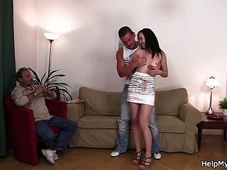 муж друг трахает свою горячую жену