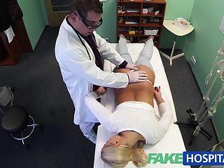 Fakehospital блондинка с большими сиськами хочет стать медсестрой