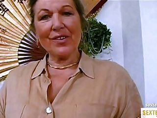 Oma Ist Geil Ауф Ihren Ersten порно