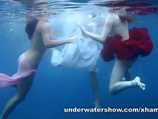 3 девочки зачистки в море