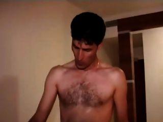 турецкий порно (oksan Otelde 2 Erkekle Sikisiyor)