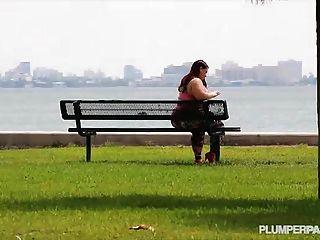 большая добыча латина Виктория секрет берет петух глубоко в ее задницу