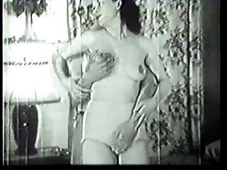 разнорабочий трахает роговой домохозяйка в винтажном порно