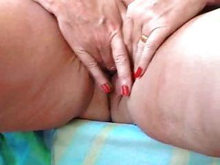 роговой Bbw бабушка мастурбирует