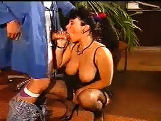 этот женский босс горячий!