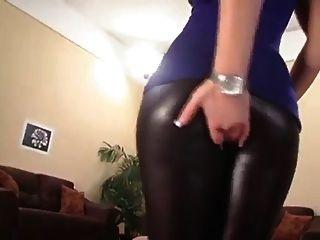 сексуальная латексная задница блондинка