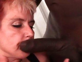 мои сексуальные пирсинг пронзили бабушку в чулках межрасового фу