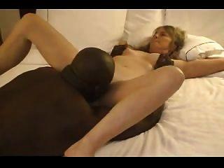зрелая горячая жена знакомства черный парень в гостиничном номере