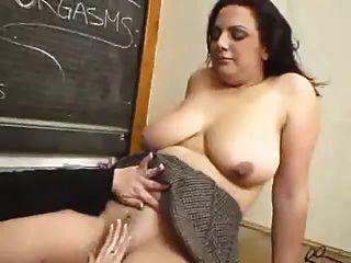 грудастая лесбиянка учитель трахал