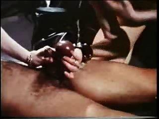 Порно Читать Историю Девушки Отрезали Член Яйца