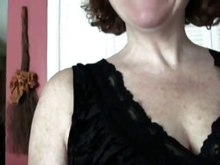шлепанье Bbw зрелая мамаша большая толстая сексуальная горячая задница в джинсах