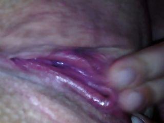 жена мастурбирует до оргазма