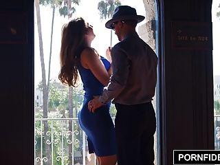 Pornfidelity лена Пол Creampied в гостиничном номере