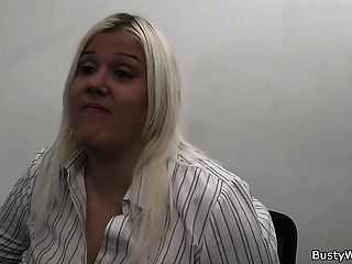 горячая блондинка секретарша