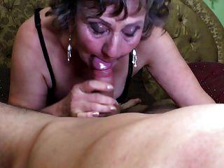 сексуальная бабушка сосать и трахать мальчика