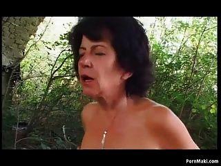бабушка открытый анальный секс