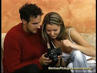 молодой немецкий подросток взял Upp для первого анального