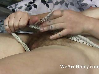 Sylvia Sinclair полоски голые в постели выглядят горячими