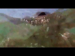 девушка плавание с бутылкой в задницу