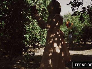 подростковая лилия фод, кремированная клоуном