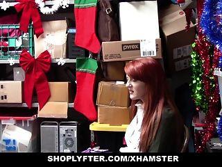 Shoplyfter красная голова шлюха предлагает киску для кражи